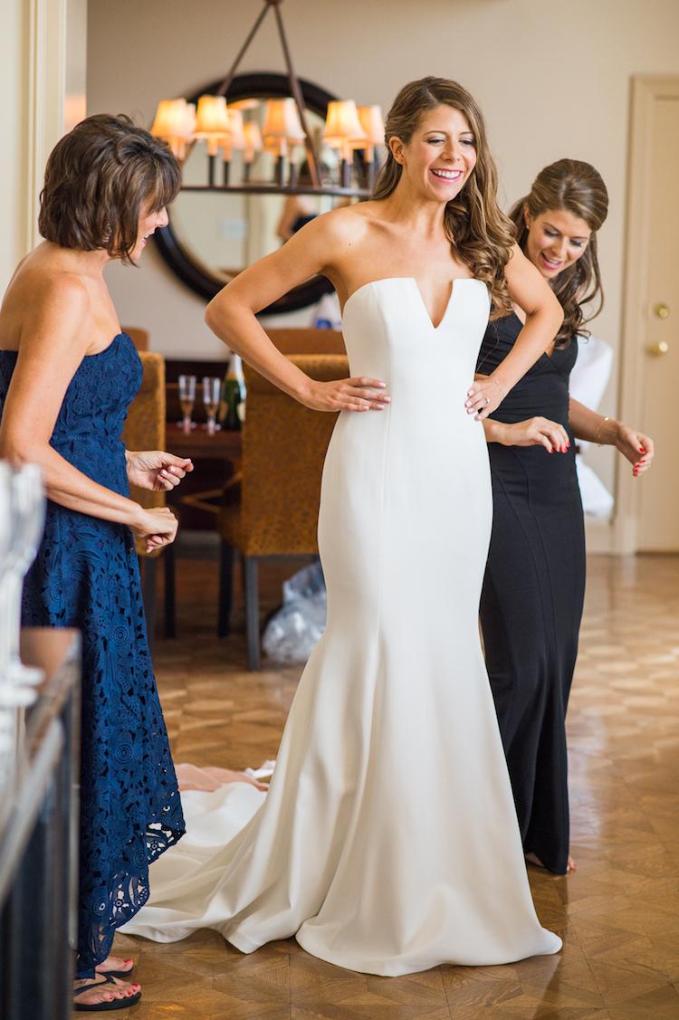 Zale/ Bride getting ready